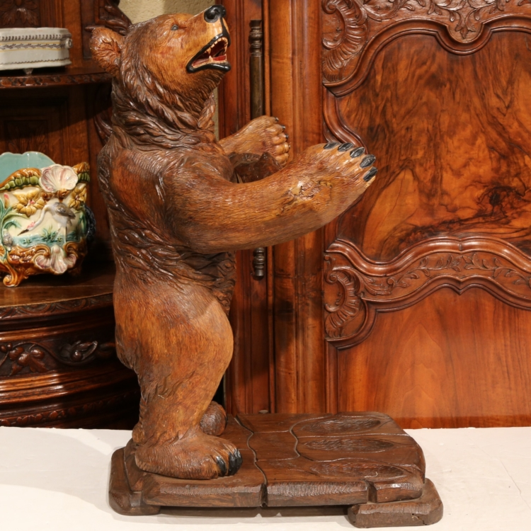 Early 20th Century French Black Forest Carved Three-Gun Holder Bear Sculpture